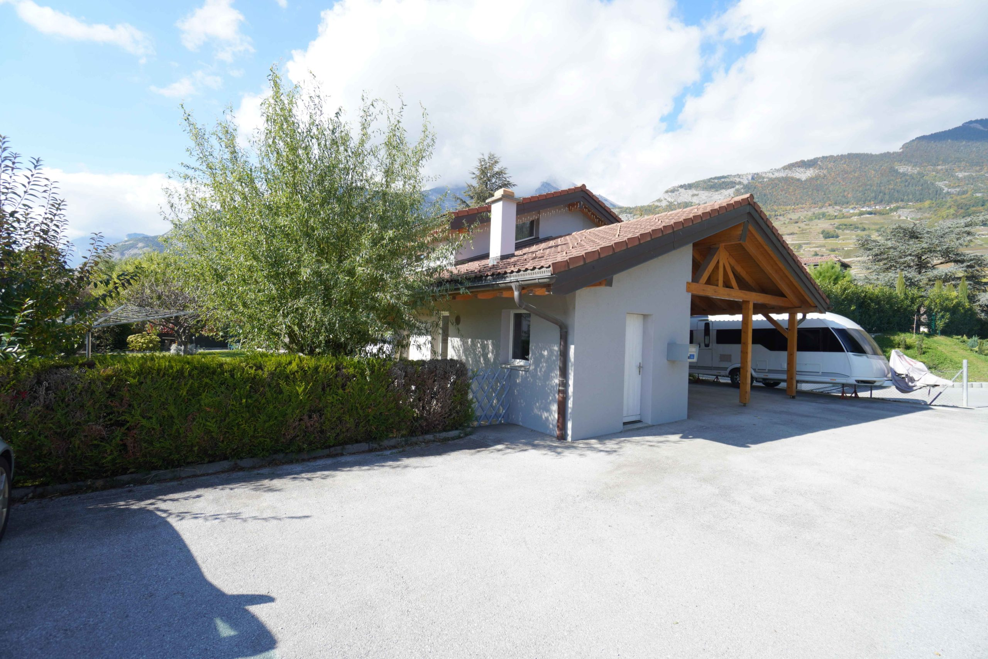 Villa individuelle 6 pièces 1/2 de 185 m2 sur parcelle de 657 m2 à 2 min de l'école de Bresse